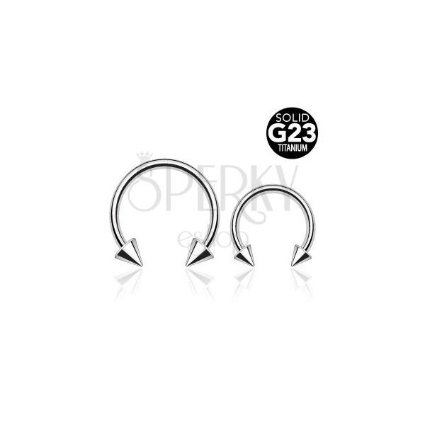 Titanium spike horseshoe piercing