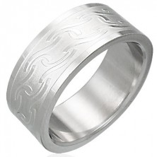 Stainless steel ring with various shiny lines