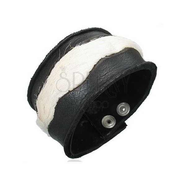 Leather bangle with inserted white fur