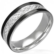 Stainless steel ring with black lining