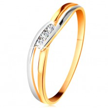 Diamond ring made of 14K gold, three clear brilliants, split wavy shoulders