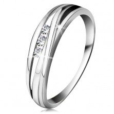 Brilliant ring made of white 14K gold, wavy lines of shoulders, three clear diamonds