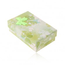 Paper box for set or chain, motif of green and white trefoils