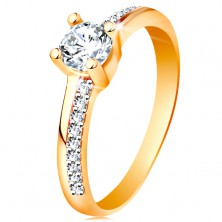 585 gold ring with sparkly lines and clear zircon in mount