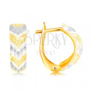 Earrings made of 585 gold - two-coloured pattern V, convex sandblasted surface