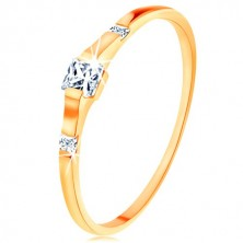 375 gold ring - three clear zircon squares, shiny and smooth shoulders
