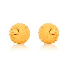 Yellow 375 gold earrings, flower motif - glittery head with cuts, studs