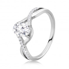 925 Silver engagement ring – oval clear zircon, entwined wavy shoulders