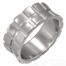 Stainless steel ring with small squares